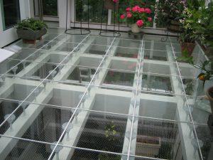 サムネイル: [ガラス床] サンルームに続くデッキ